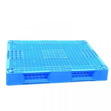 Heavy duty plastic pallet for beverage industry